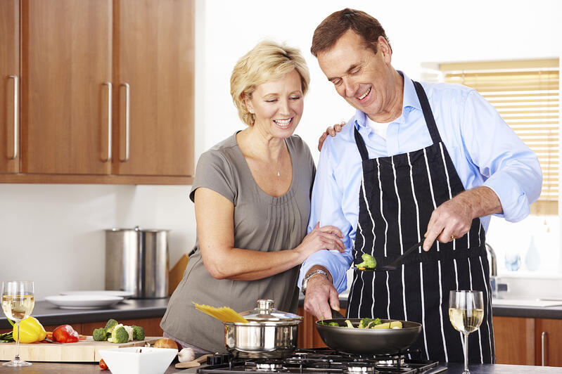 Happy_Couple_Cooking