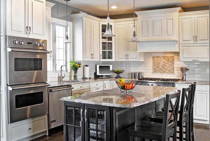 Granit-Arbeitsplatte und Cabinet-Refacing