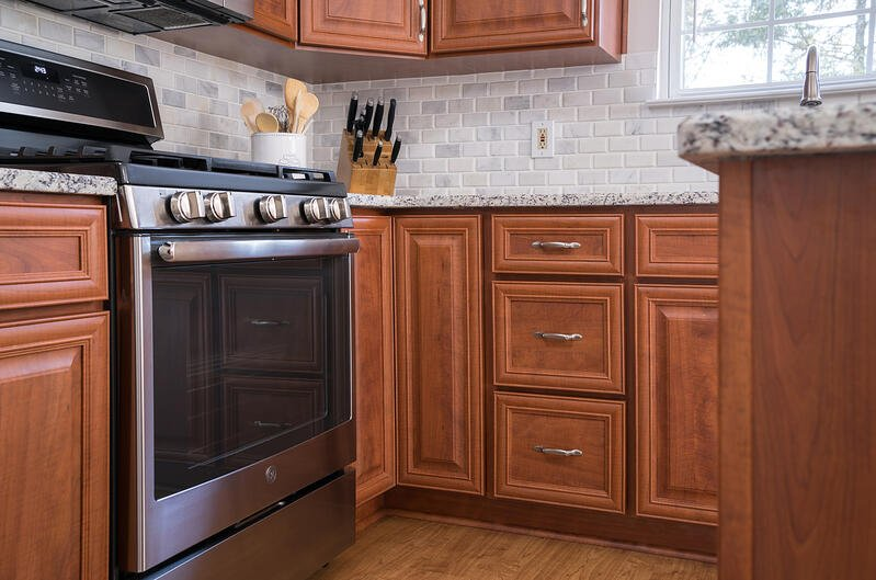 Kitchen Magic Cabinet Refacing
