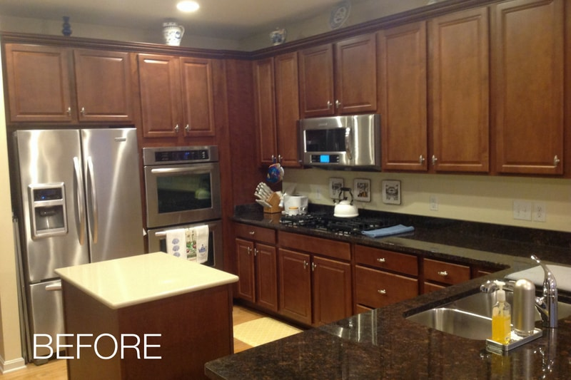 Kitchen Before Cabinets Were Refaced
