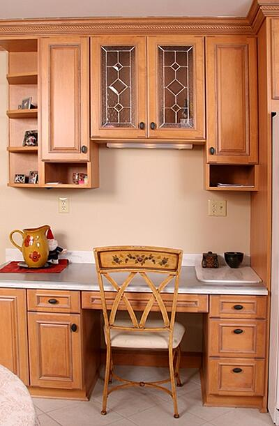 Maple Kitchen Cabinets with Glass Window Front and Desk