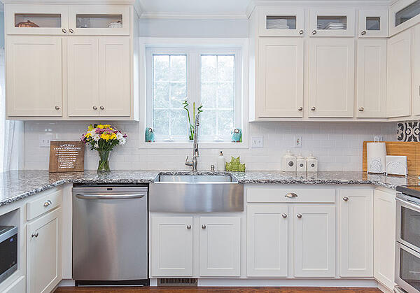 How To Utilize Glass Front Cabinets In Your Kitchen