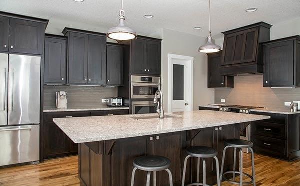 dark kitchen cabinet design