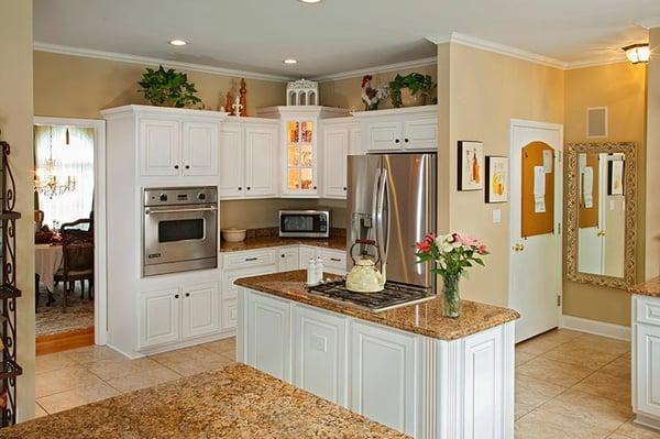 Gray kitchen cabinet design