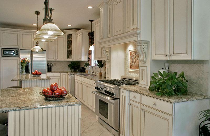 White Tuscan Style Kitchen