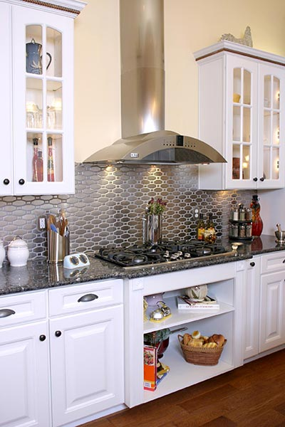 metallic kitchen backsplash