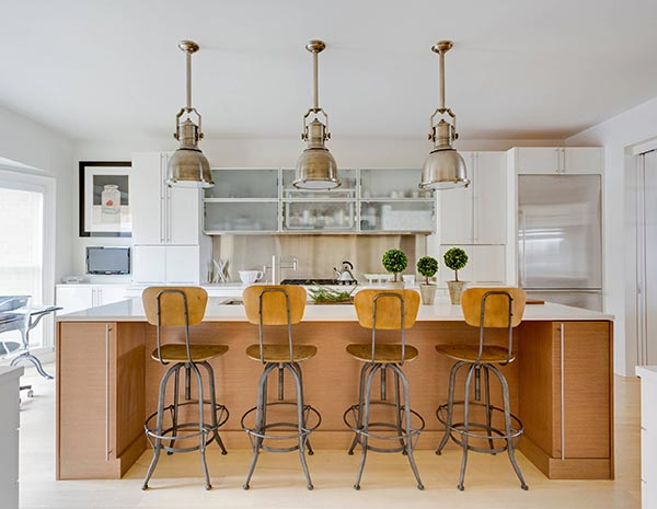 Modern Kitchen with Mixed Metals