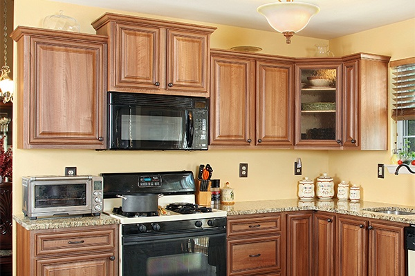 Oak Cabinets in Staggered Height