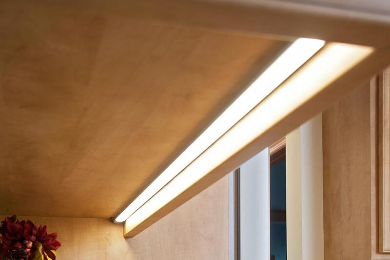 under-cabinet-lighting-feature