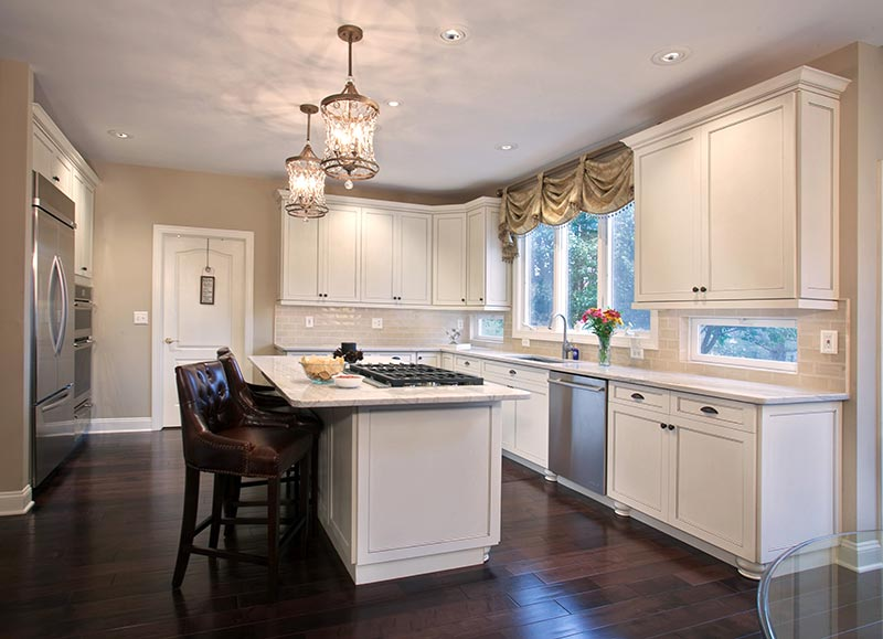 Neutral Wall Paint and White Cabinets