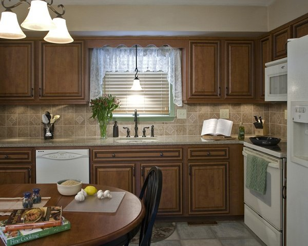 Lace Valence Kitchen Window Curtains with Horizontal Blinds