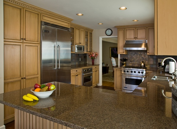 Glazed Maple Kitchen Cabinets
