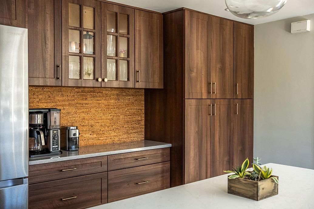 Antique White Laminate Kitchen Cabinets