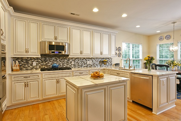 Antique White Laminate Kitchen Cabinets