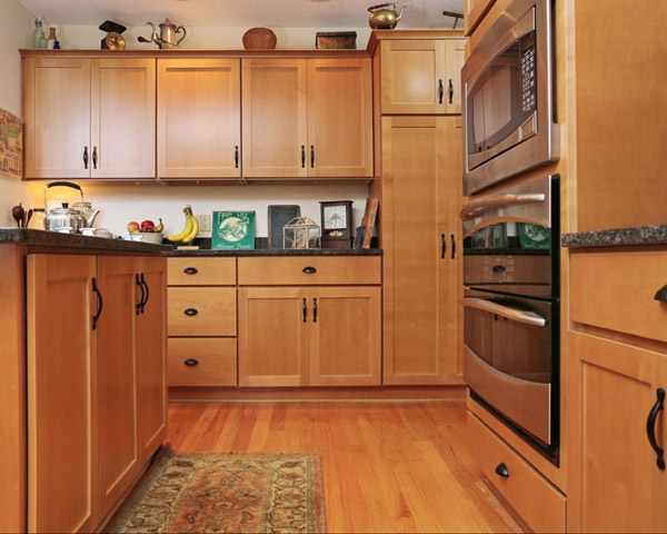 Maple Cabinets with Black Hardware