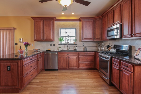 Kitchen Design with Balance and Contrast