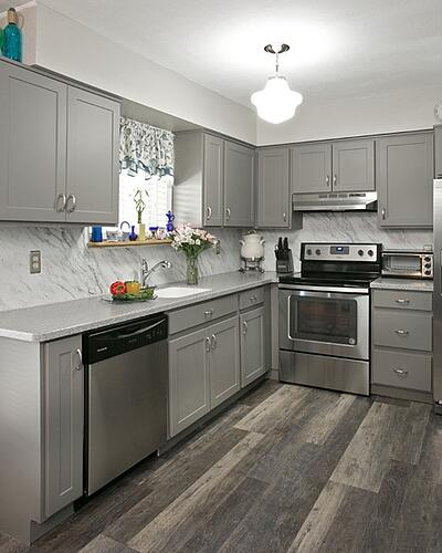 Pros & Cons Of Hardwood Flooring In The Kitchen