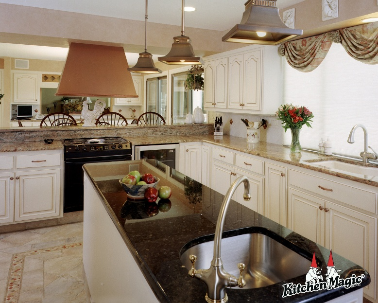 differences-cabinet-refacing.jpg