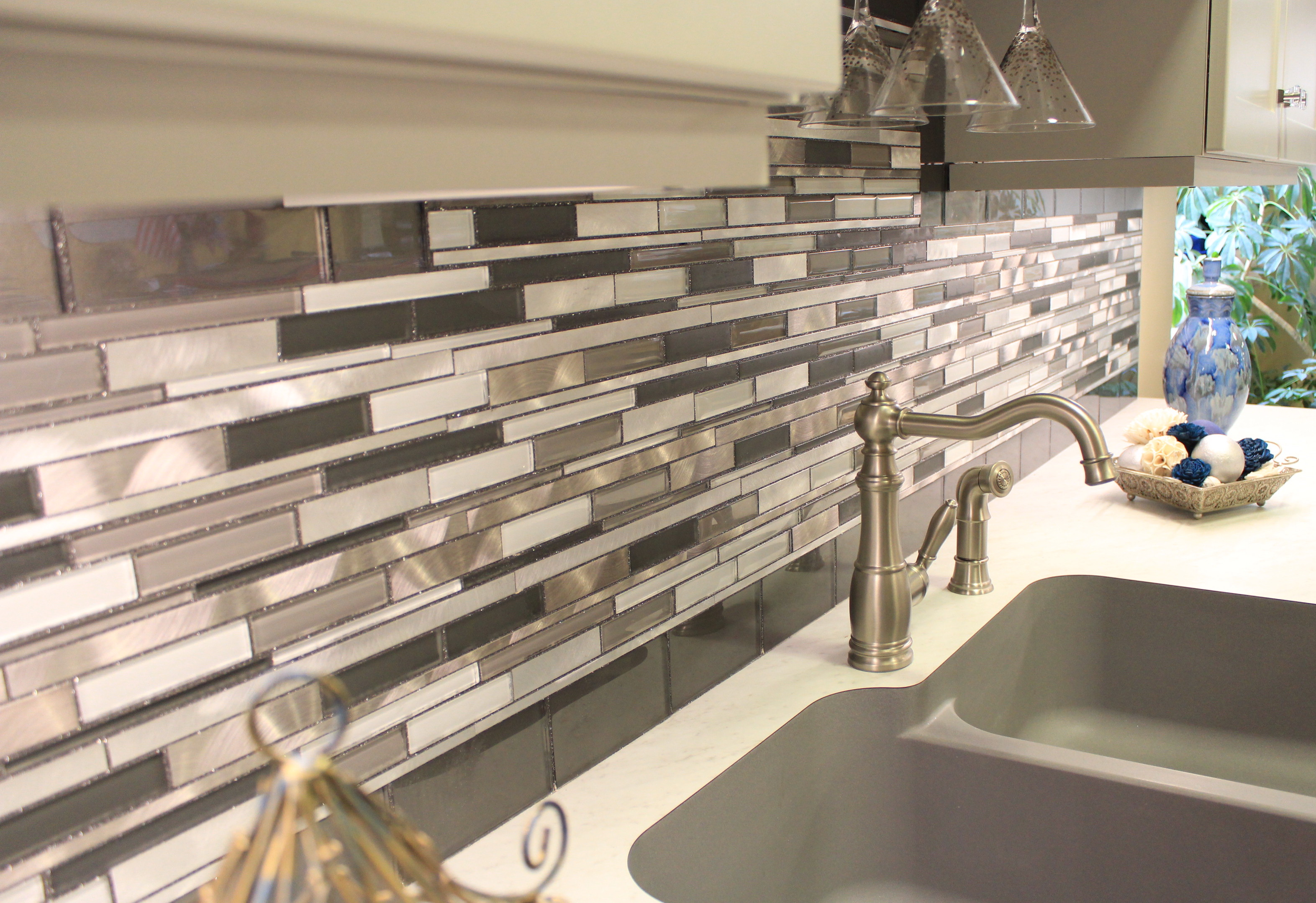 glass-metal-backsplash.jpg