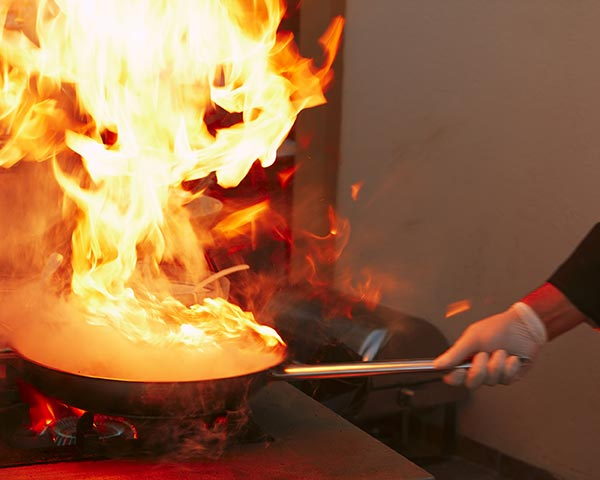 9 Ways to Avoid Dangerous Holiday Kitchen Fires