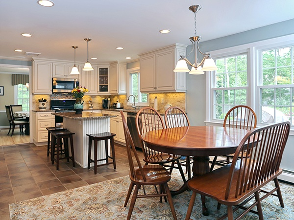 kitchen-table-and-island.jpg