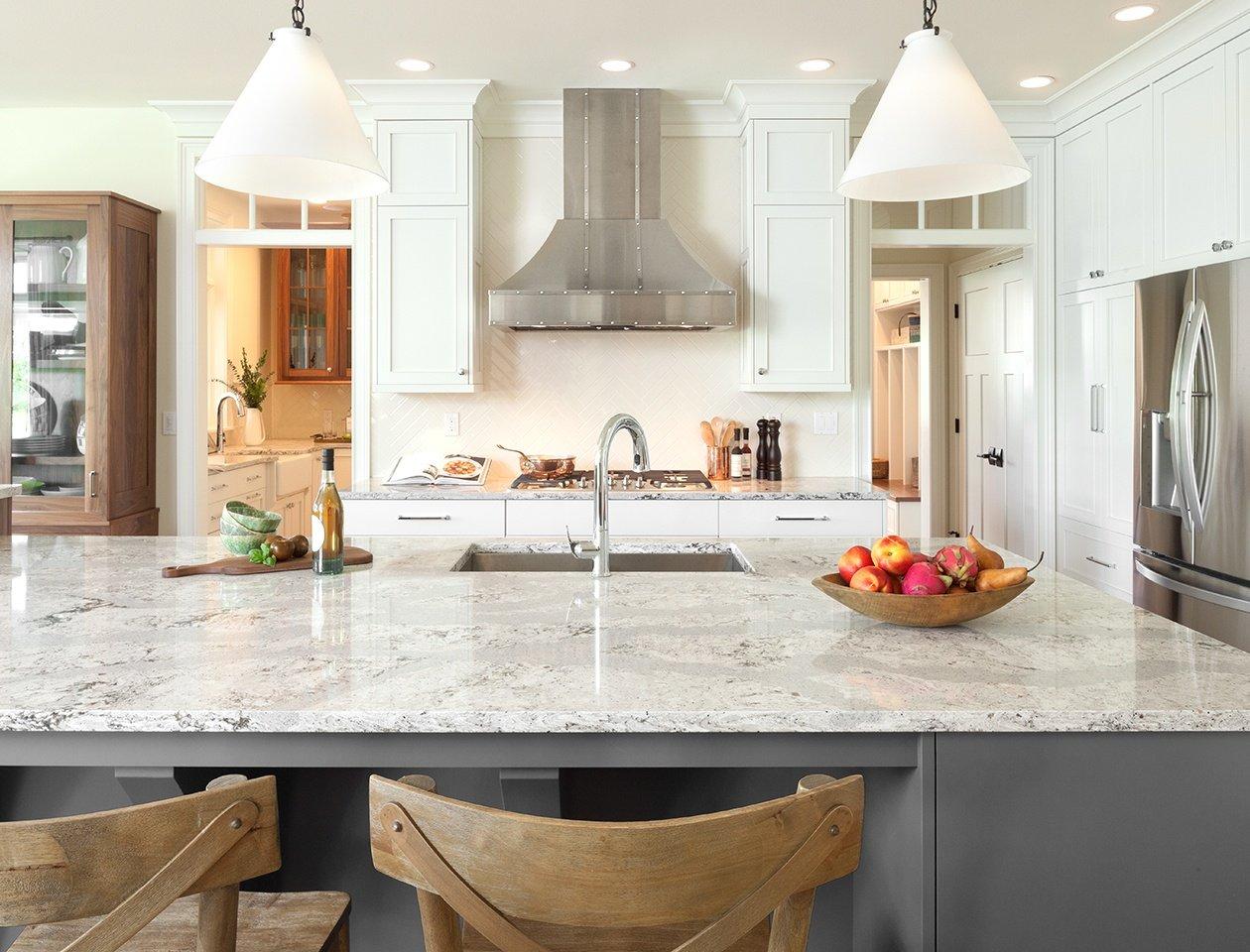 4 Ways that Quartz Shatters Glass Countertops