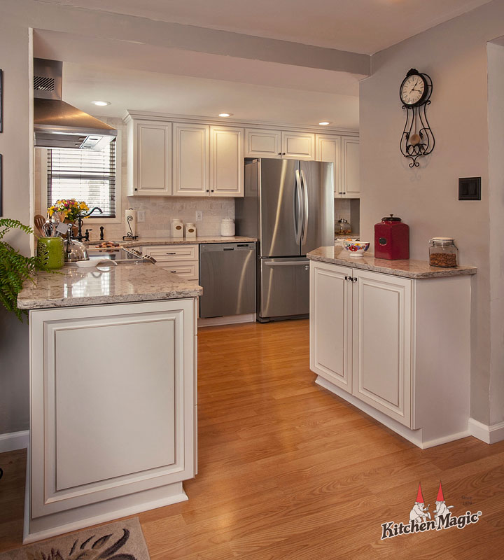 All-white Kitchen with Quartz Countertop