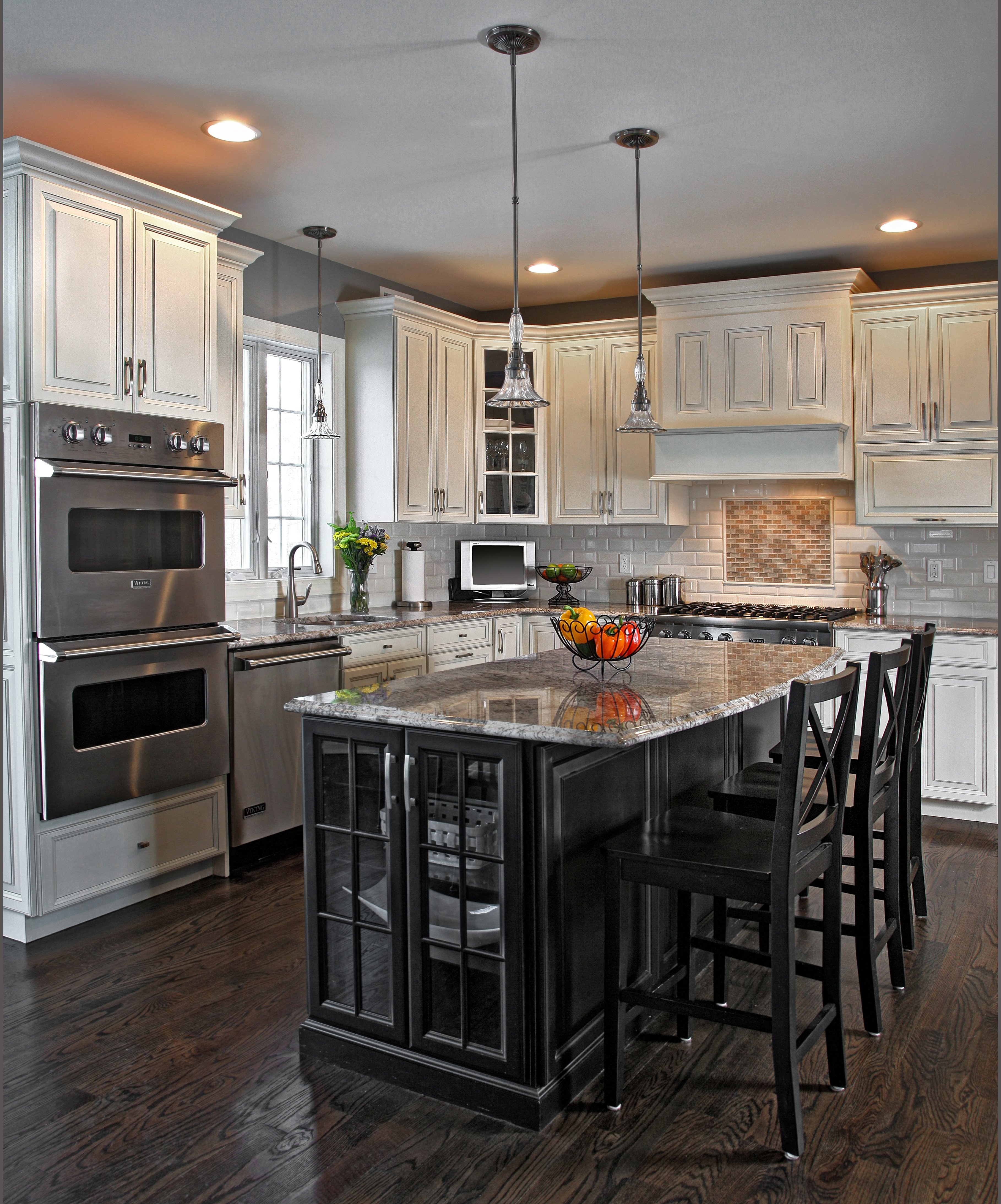 Small Kitchens With Black Cabinets: Would A Small Kitchen Look Good With Black Cabinets?