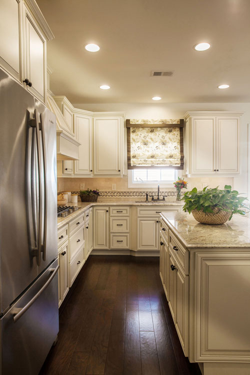 Pairing white cabinets with an existing granite slab